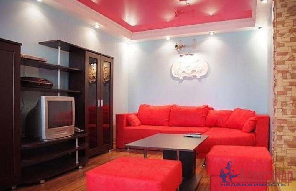 2-комнатная квартира (55м2) в аренду по адресу Пулковское шос., 14— фото 1 из 4