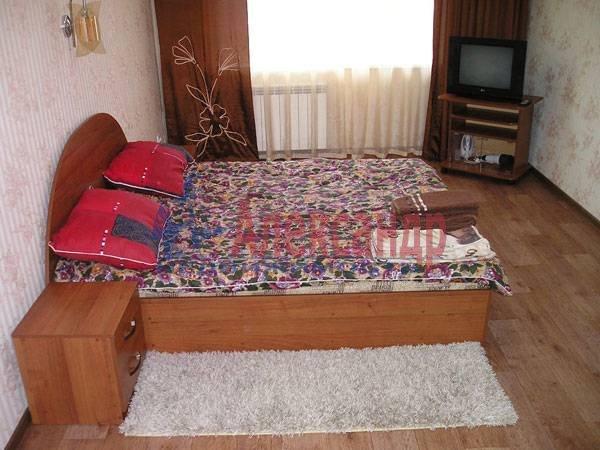 Комната в 2-комнатной квартире (73м2) в аренду по адресу Богатырский пр., 9— фото 1 из 1