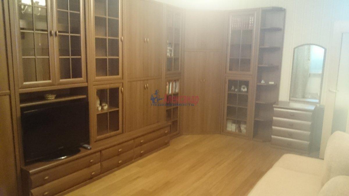 Комната в 2-комнатной квартире (50м2) в аренду по адресу Обводного канала наб., 51— фото 1 из 4