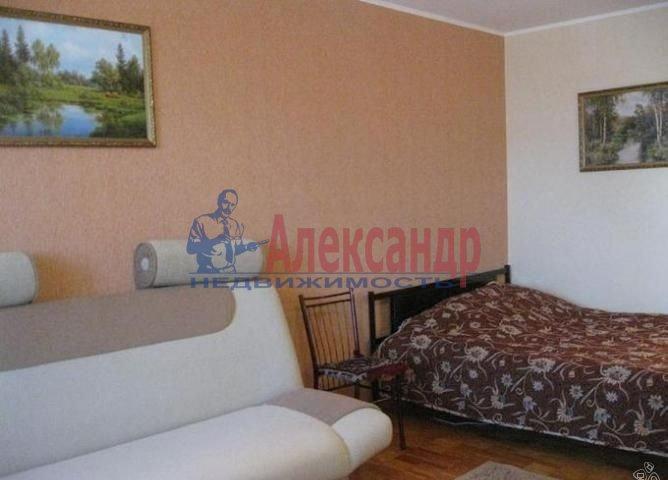 1-комнатная квартира (39м2) в аренду по адресу Комендантский пр., 13— фото 2 из 3