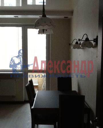 2-комнатная квартира (68м2) в аренду по адресу Ленинский пр., 135— фото 2 из 6