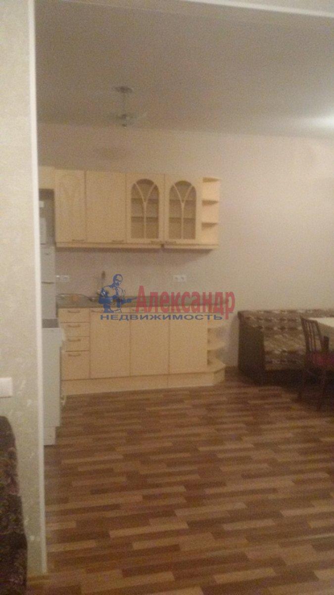 1-комнатная квартира (50м2) в аренду по адресу Бухарестская ул., 80— фото 1 из 8
