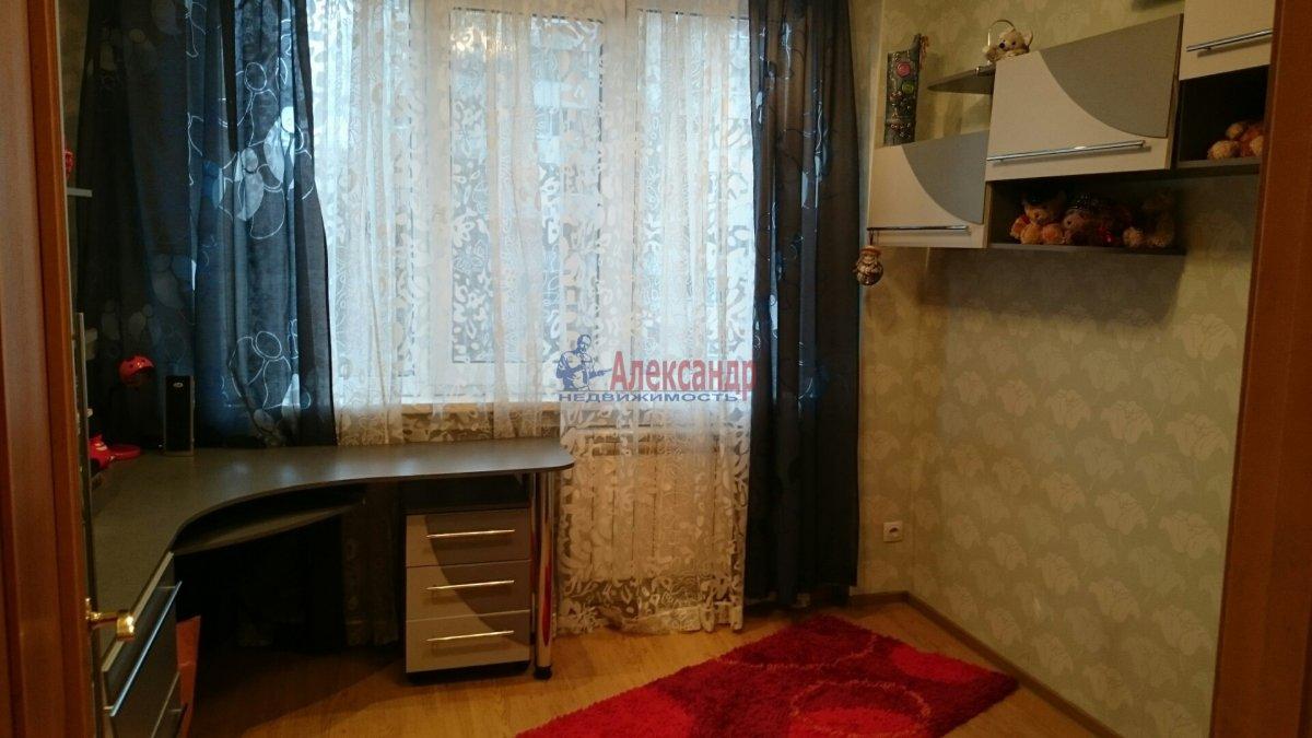 Комната в 4-комнатной квартире (45м2) в аренду по адресу Рубинштейна ул., 23— фото 2 из 4