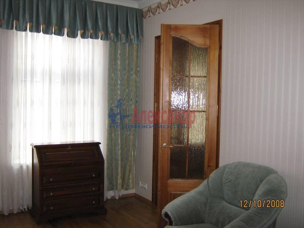 2-комнатная квартира (55м2) в аренду по адресу Наставников пр., 10— фото 3 из 4