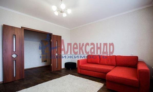 1-комнатная квартира (40м2) в аренду по адресу Народного Ополчения пр., 10— фото 1 из 10