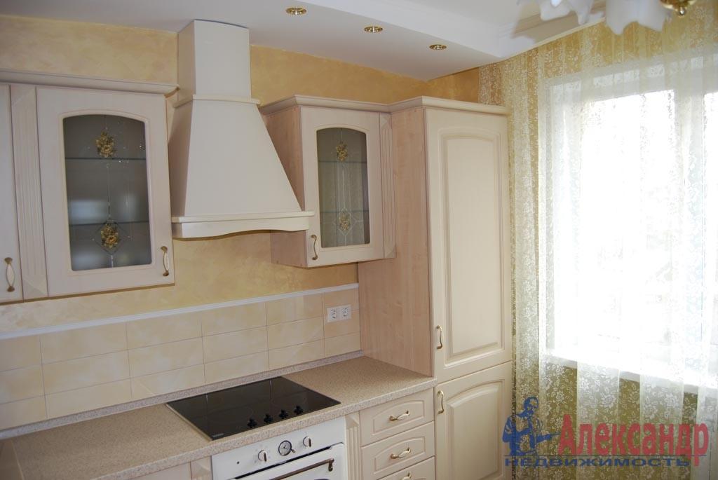 2-комнатная квартира (70м2) в аренду по адресу Нахимова ул., 20— фото 3 из 4