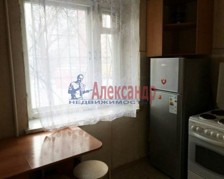 1-комнатная квартира (40м2) в аренду по адресу Белышева ул., 5— фото 2 из 2
