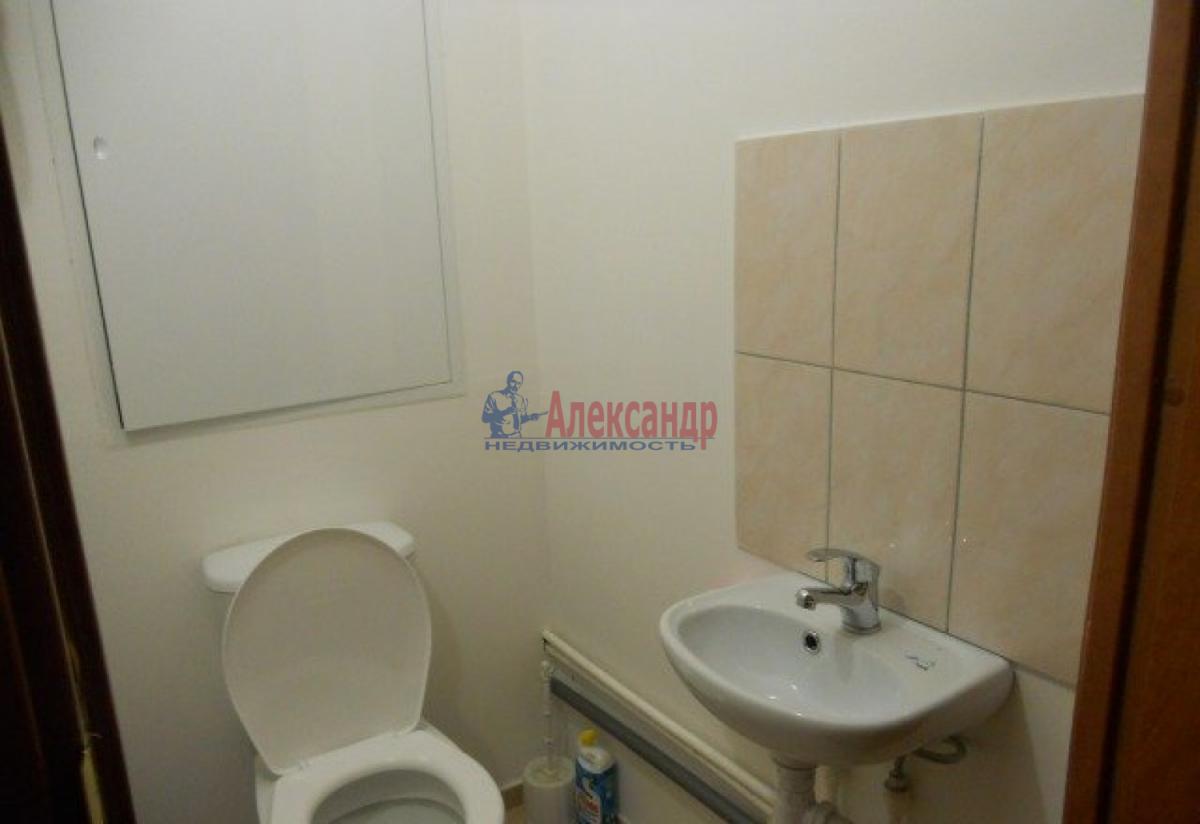 1-комнатная квартира (41м2) в аренду по адресу Пражская ул., 21— фото 5 из 8