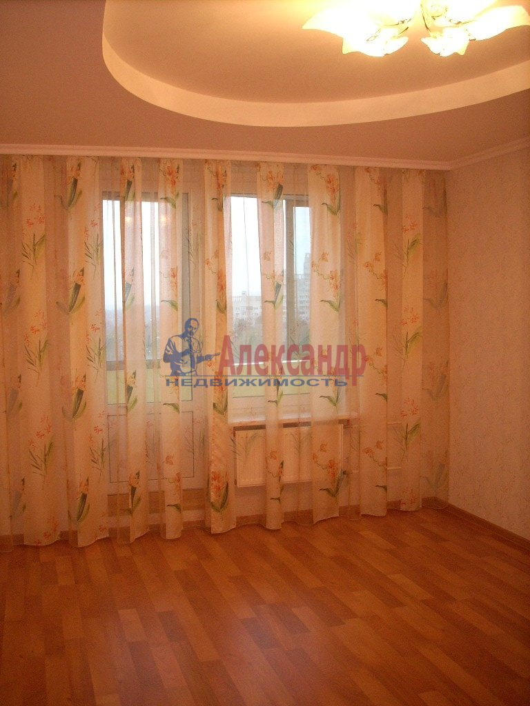 1-комнатная квартира (38м2) в аренду по адресу Парадная ул., 9— фото 1 из 4