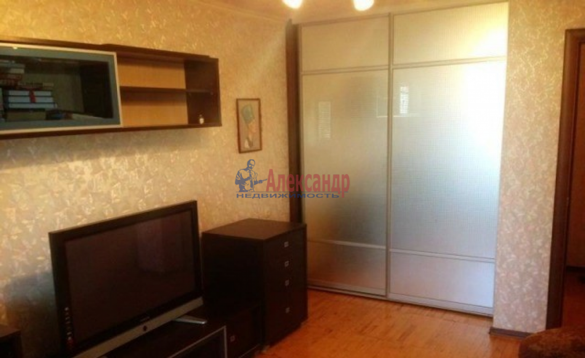 1-комнатная квартира (34м2) в аренду по адресу Исаакиевская пл., 3— фото 1 из 4