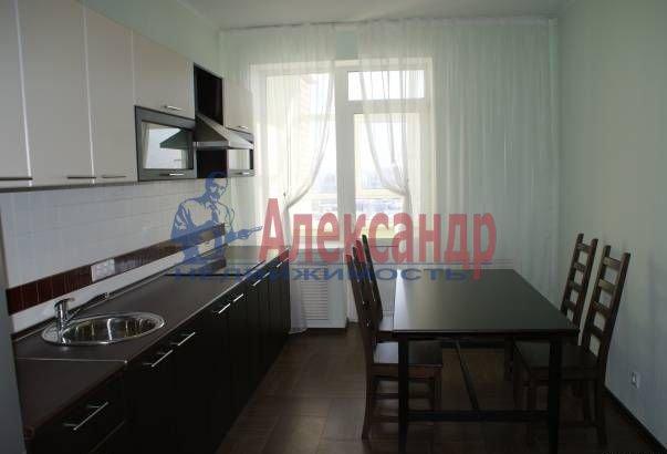 2-комнатная квартира (61м2) в аренду по адресу Обуховской Обороны пр., 110— фото 1 из 5