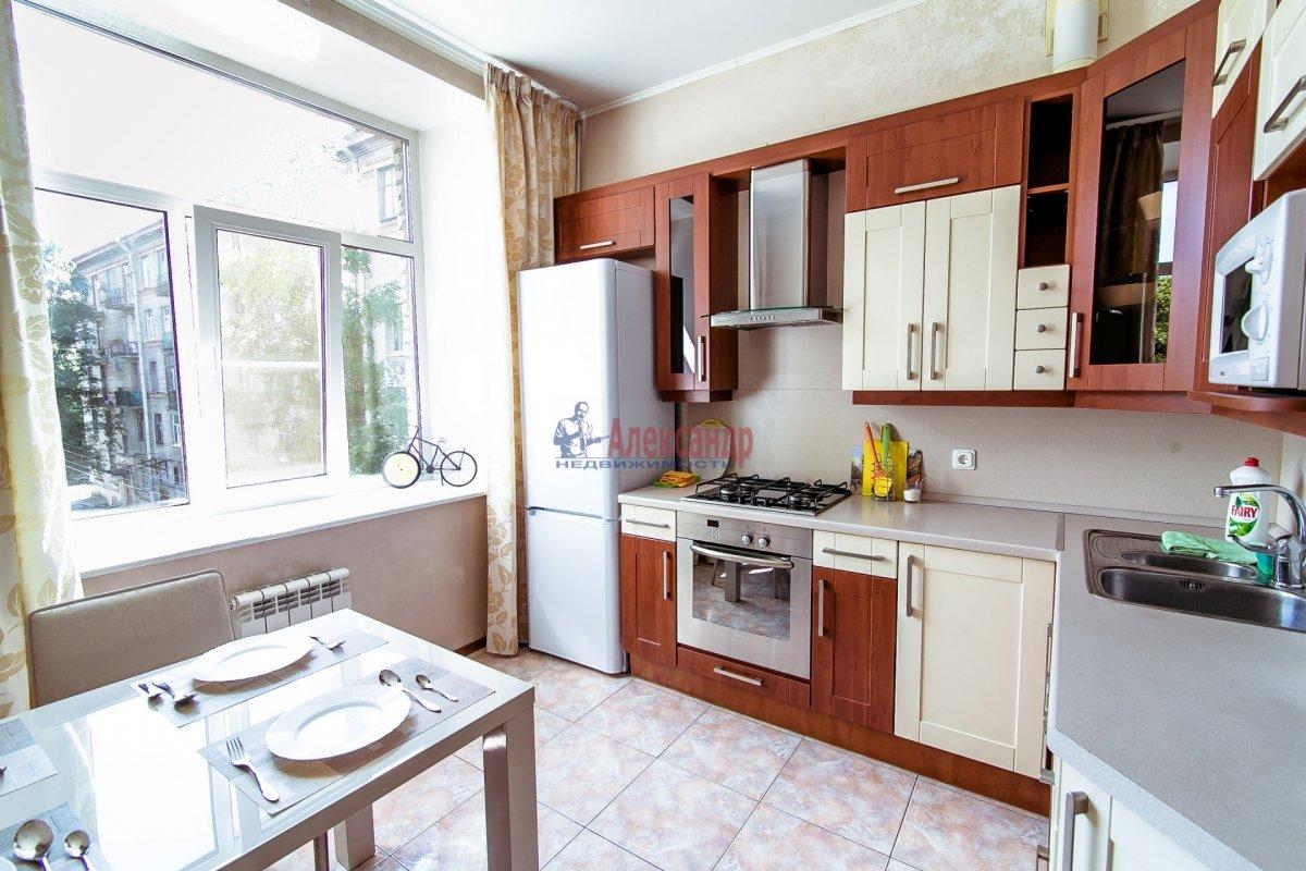 2-комнатная квартира (65м2) в аренду по адресу Алтайская ул., 11— фото 10 из 26