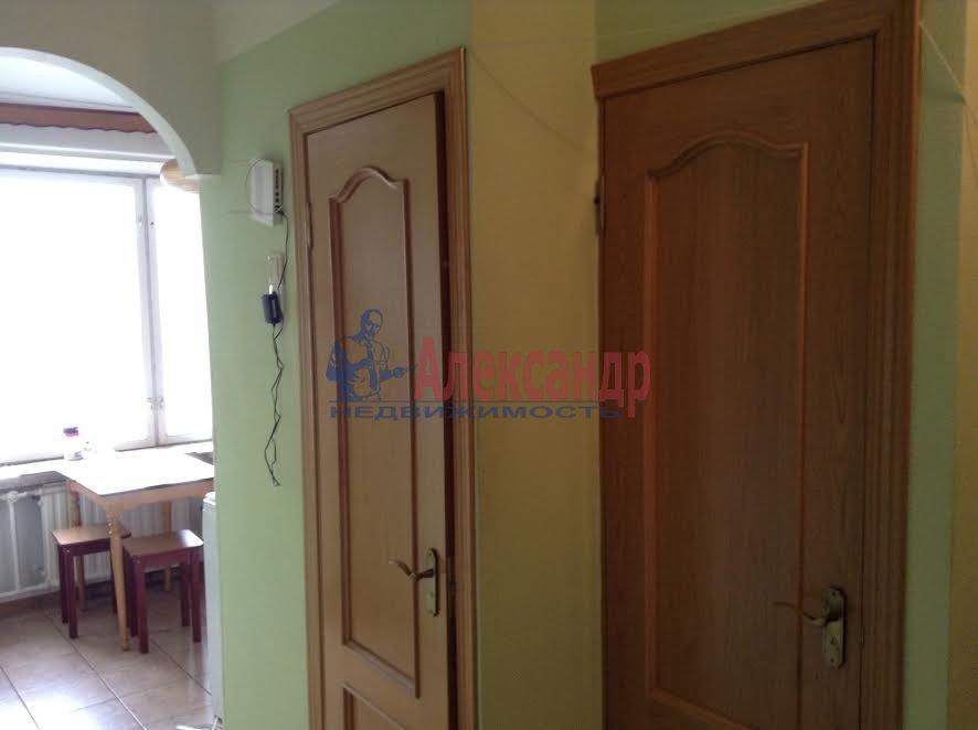 2-комнатная квартира (65м2) в аренду по адресу Художников пр., 33— фото 4 из 8