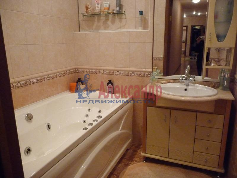 3-комнатная квартира (103м2) в аренду по адресу Ветеранов пр., 122— фото 15 из 17