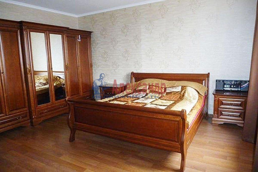 2-комнатная квартира (59м2) в аренду по адресу 13 Красноармейская ул., 23— фото 2 из 3