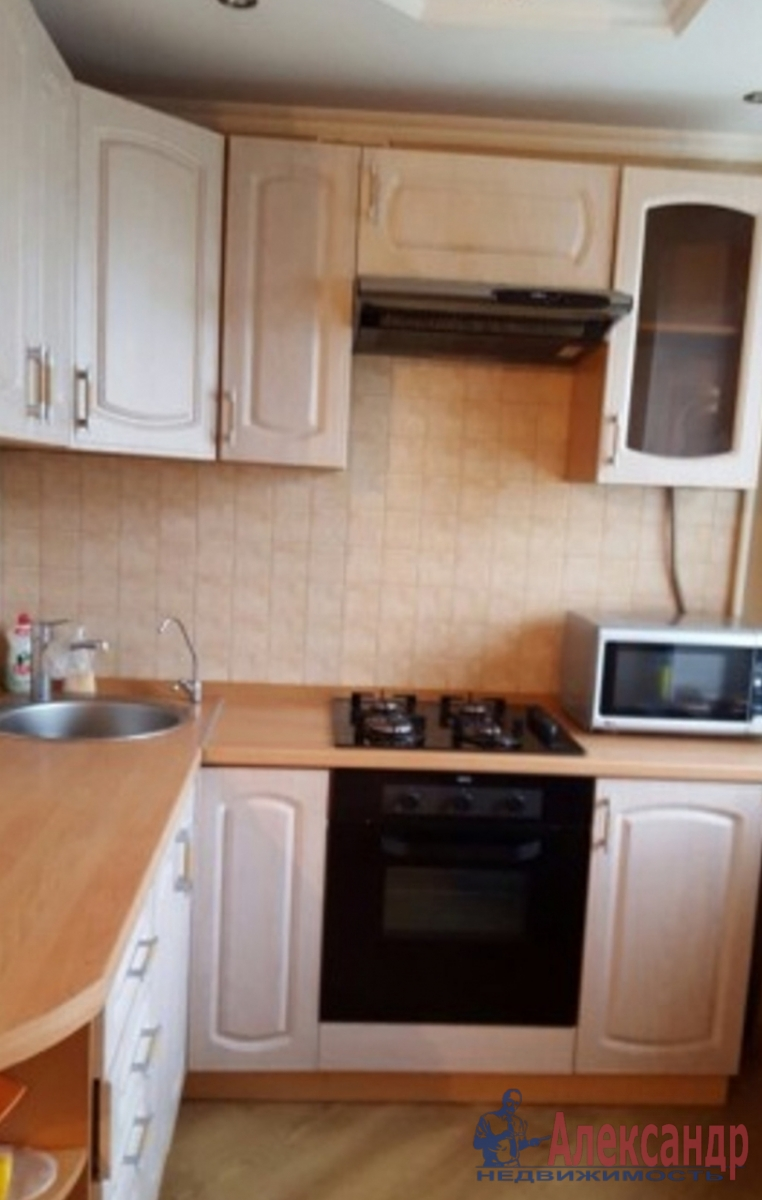 2-комнатная квартира (50м2) в аренду по адресу Маршала Захарова ул., 17— фото 3 из 4