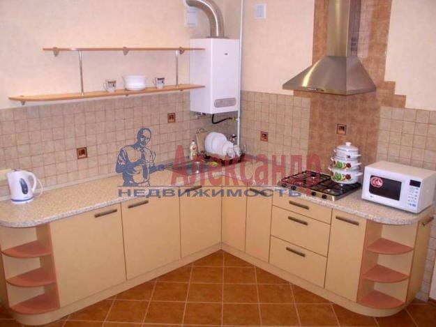1-комнатная квартира (44м2) в аренду по адресу Малая Бухарестская ул., 5— фото 1 из 3