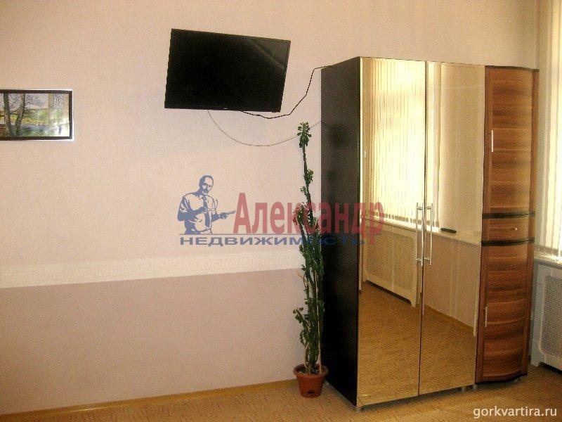 Комната в 3-комнатной квартире (85м2) в аренду по адресу Пестеля ул., 11— фото 1 из 3