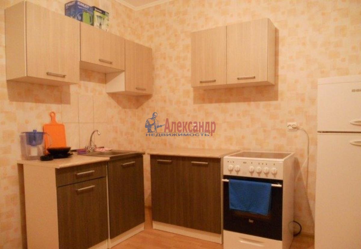 1-комнатная квартира (41м2) в аренду по адресу Пражская ул., 21— фото 1 из 8