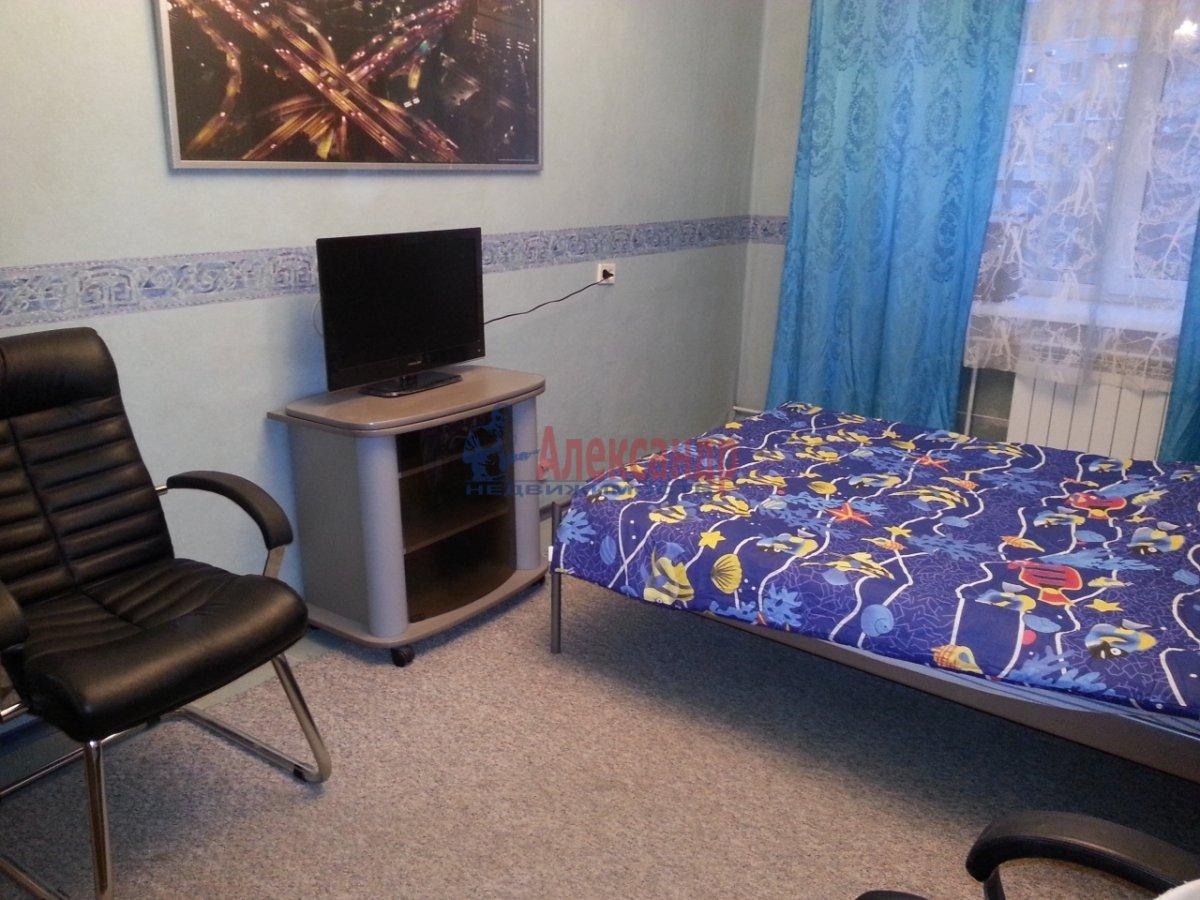 1-комнатная квартира (35м2) в аренду по адресу Кронштадтская ул., 13— фото 4 из 6