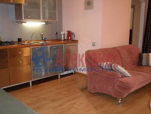 3-комнатная квартира (90м2) в аренду по адресу Невский пр.— фото 7 из 13