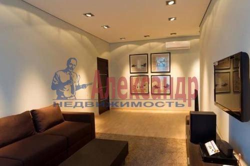 2-комнатная квартира (76м2) в аренду по адресу Савушкина ул., 143— фото 1 из 5