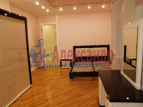 3-комнатная квартира (110м2) в аренду по адресу Комендантская пл., 6— фото 3 из 12