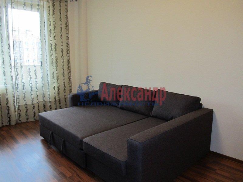 1-комнатная квартира (42м2) в аренду по адресу Ярослава Гашека ул., 15— фото 2 из 7