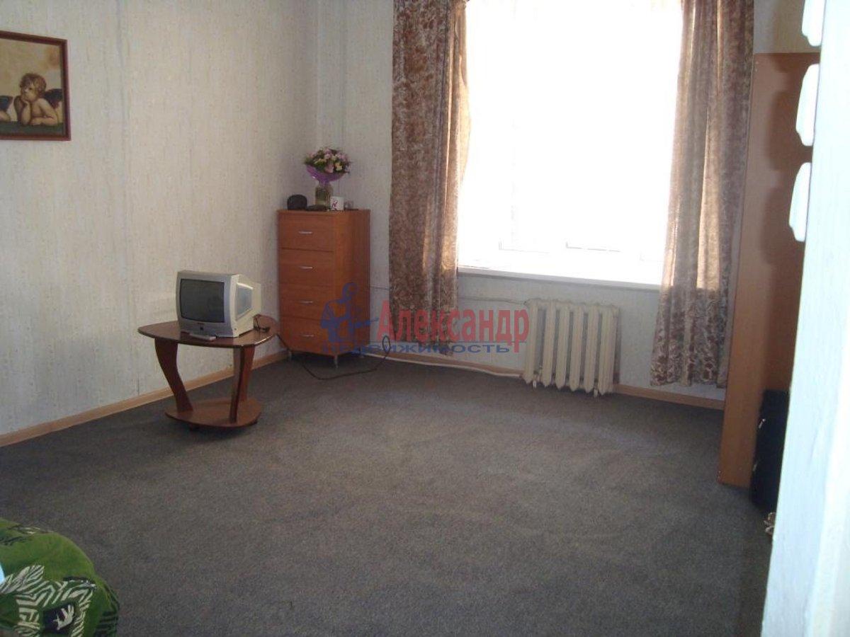 1-комнатная квартира (40м2) в аренду по адресу Блохина ул., 15— фото 1 из 3