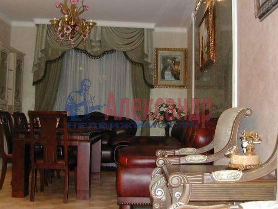 4-комнатная квартира (170м2) в аренду по адресу Харьковская ул., 8А— фото 4 из 4