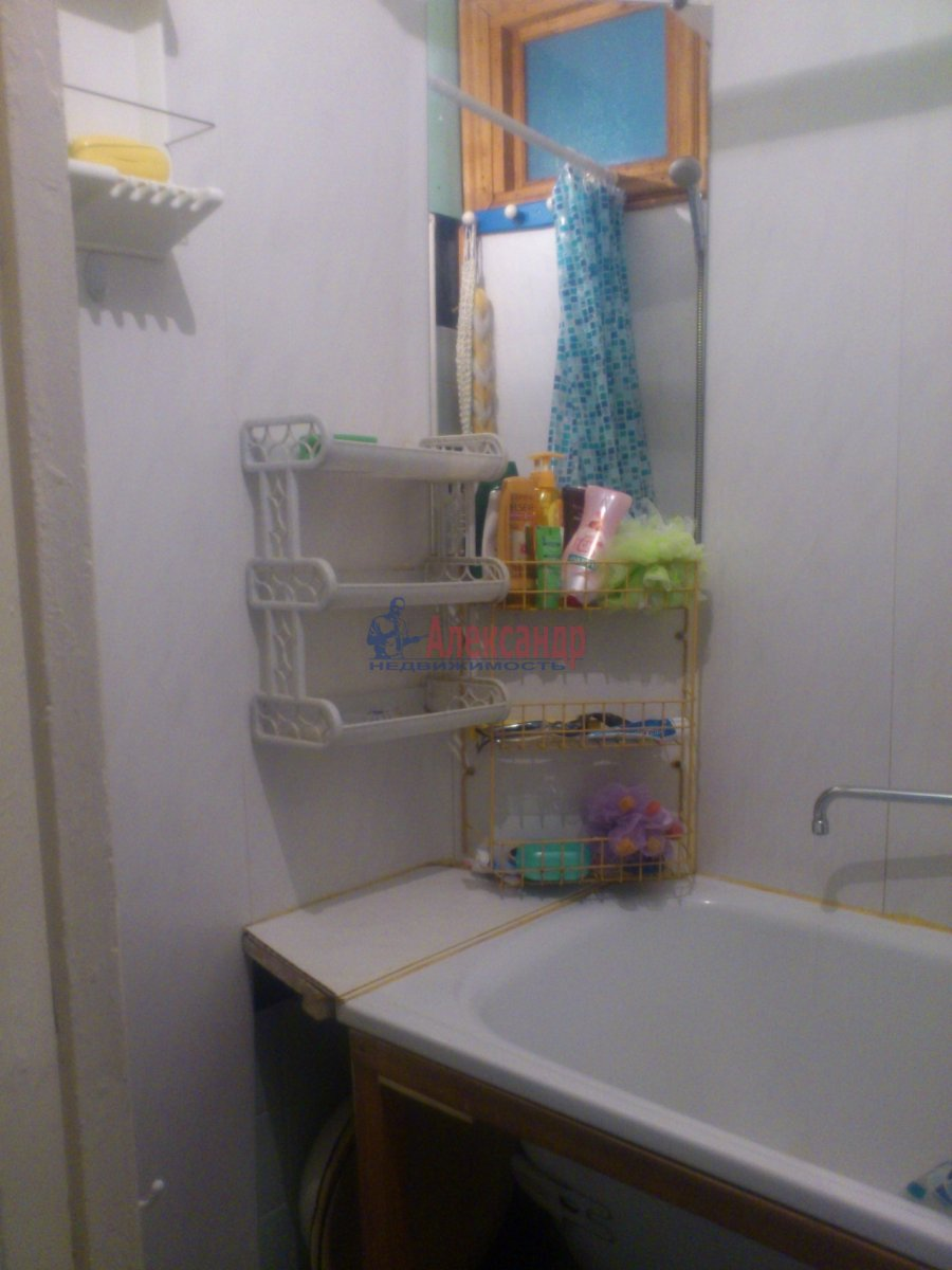 Комната в 3-комнатной квартире (80м2) в аренду по адресу Московский пр., 61— фото 6 из 13