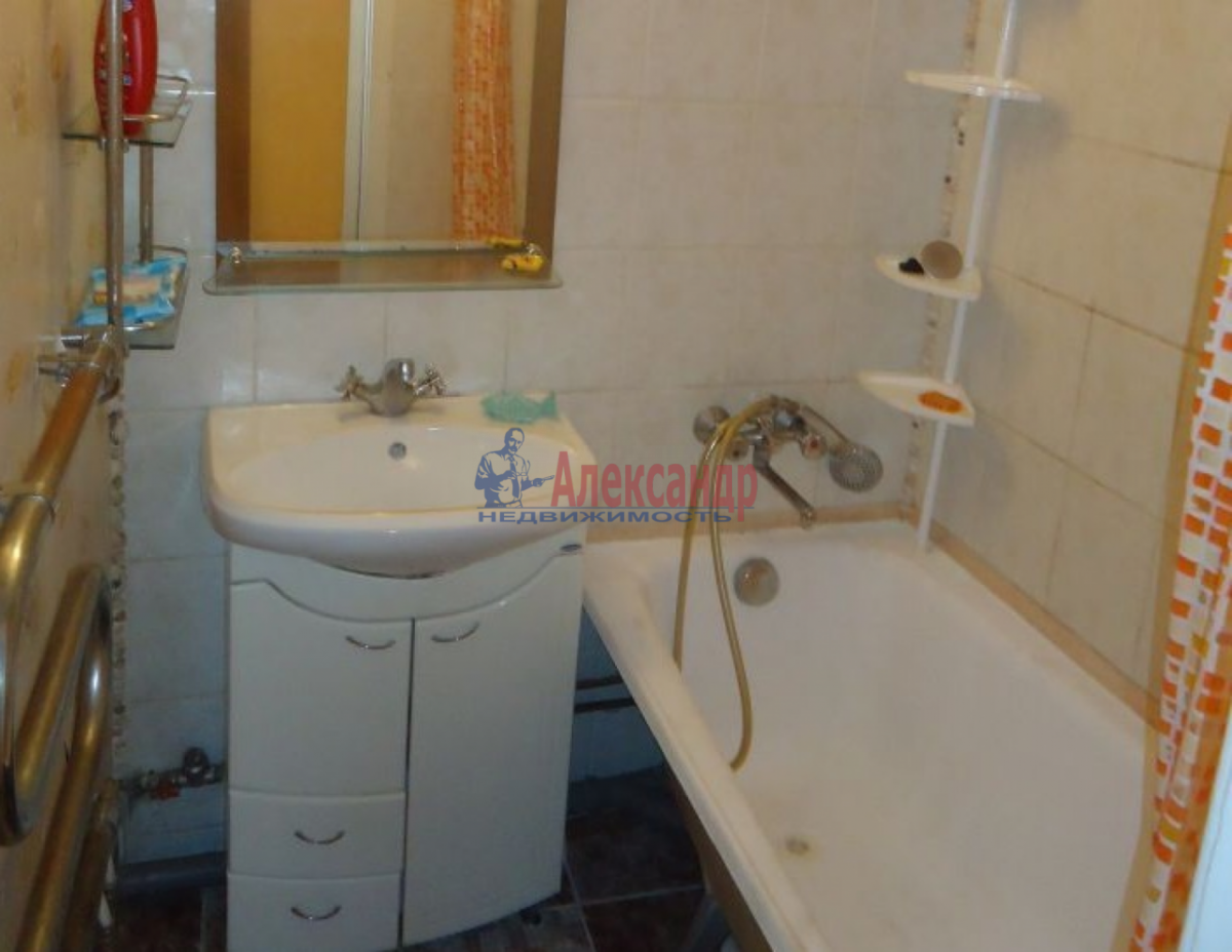 2-комнатная квартира (47м2) в аренду по адресу Краснопутиловская ул.— фото 4 из 5