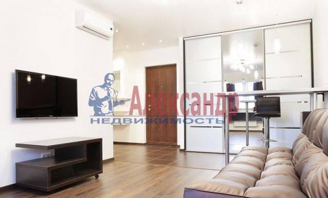 2-комнатная квартира (60м2) в аренду по адресу Комсомола ул., 14— фото 1 из 8