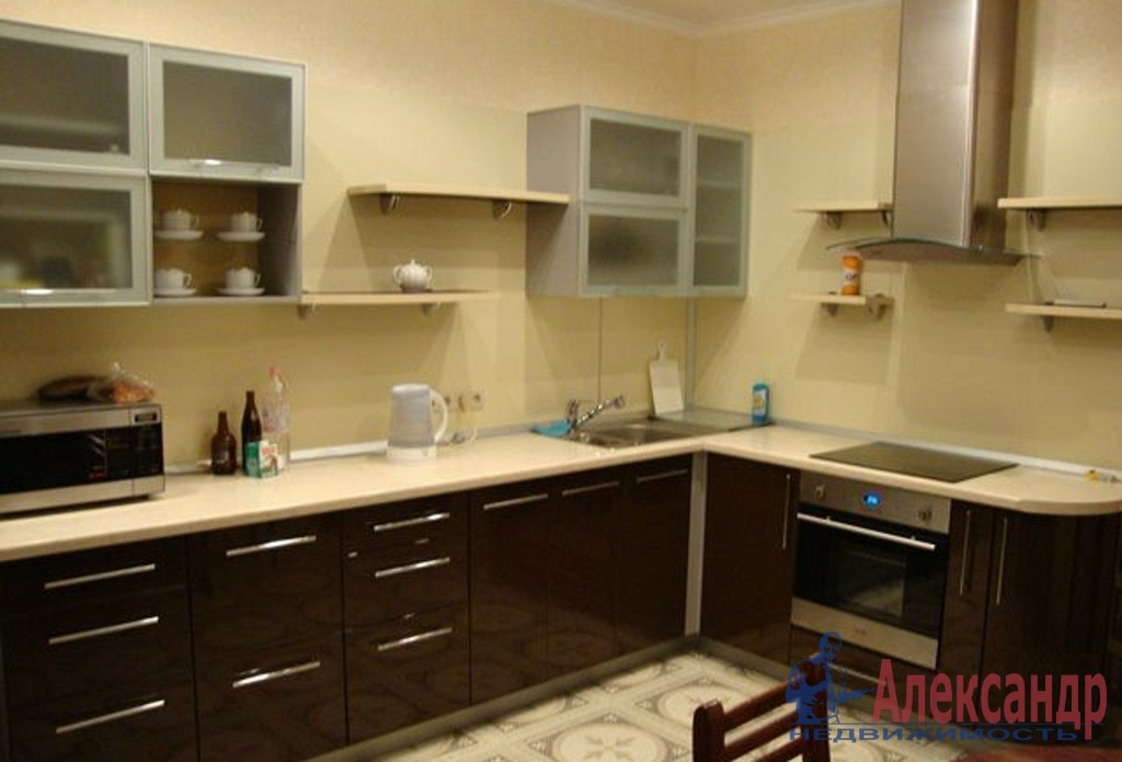 2-комнатная квартира (58м2) в аренду по адресу Бутлерова ул., 9— фото 3 из 4