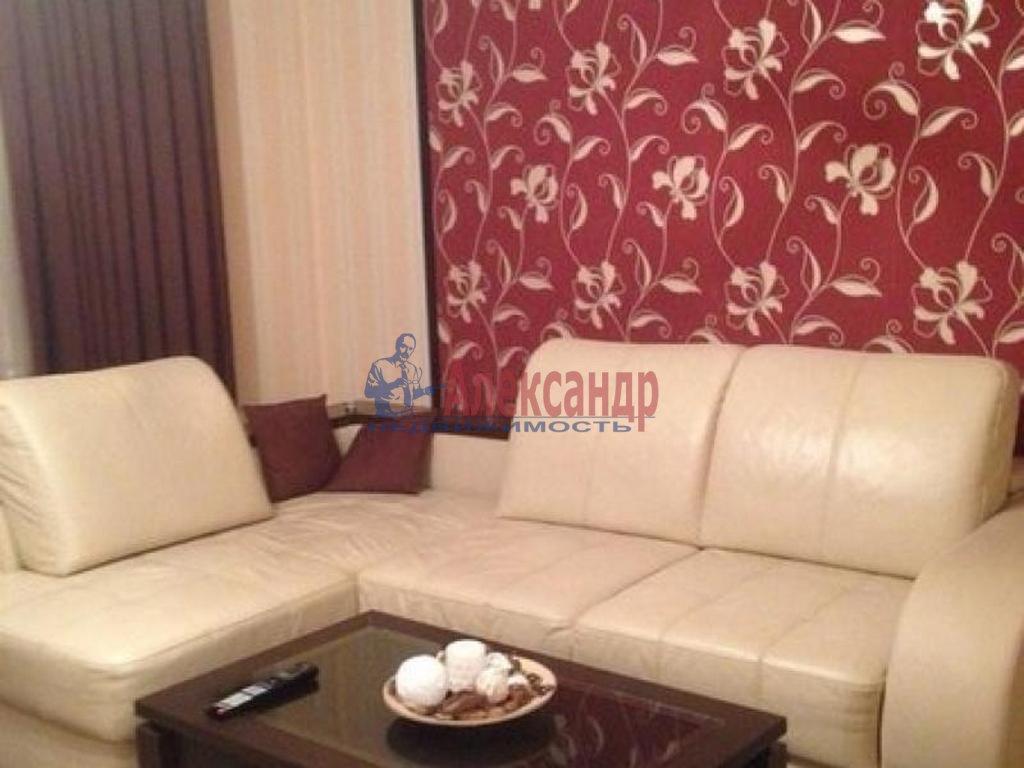 2-комнатная квартира (52м2) в аренду по адресу Галерная ул., 41— фото 1 из 4