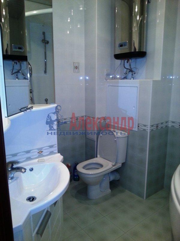 3-комнатная квартира (90м2) в аренду по адресу Выборгское шос., 33— фото 9 из 9