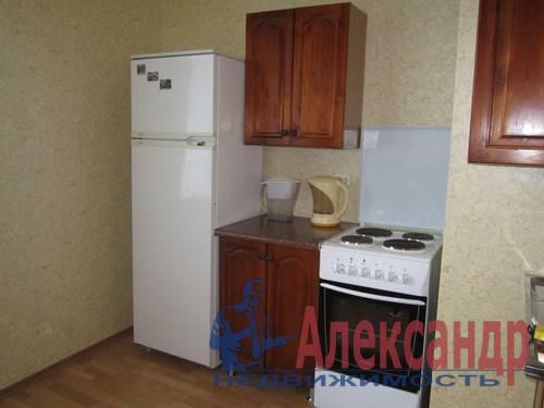 1-комнатная квартира (38м2) в аренду по адресу Ильюшина ул., 1— фото 2 из 2