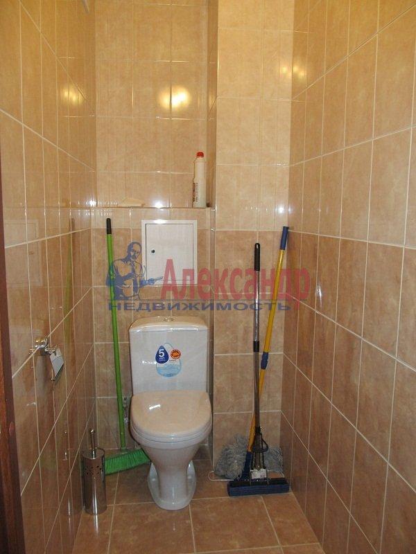 1-комнатная квартира (42м2) в аренду по адресу Ярослава Гашека ул., 15— фото 4 из 7