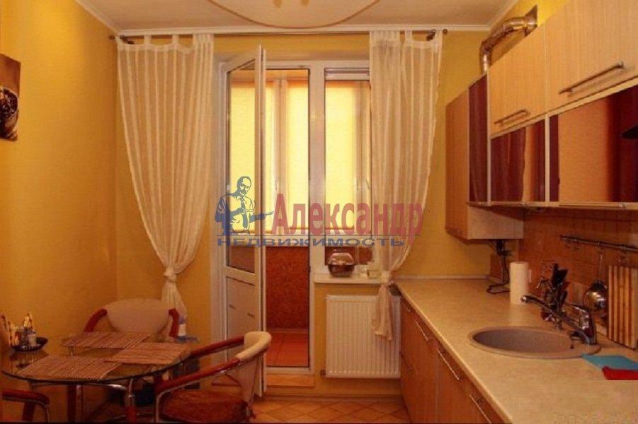 1-комнатная квартира (40м2) в аренду по адресу Комендантский пр., 17— фото 1 из 6