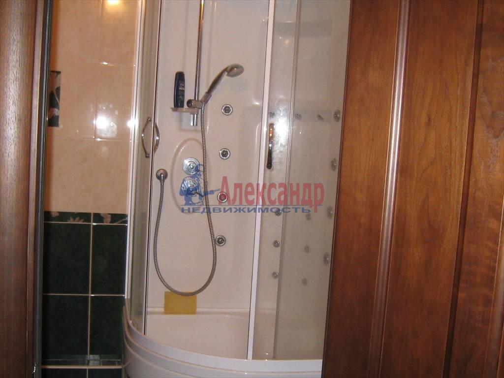 1-комнатная квартира (38м2) в аренду по адресу Брянцева ул., 15— фото 5 из 5
