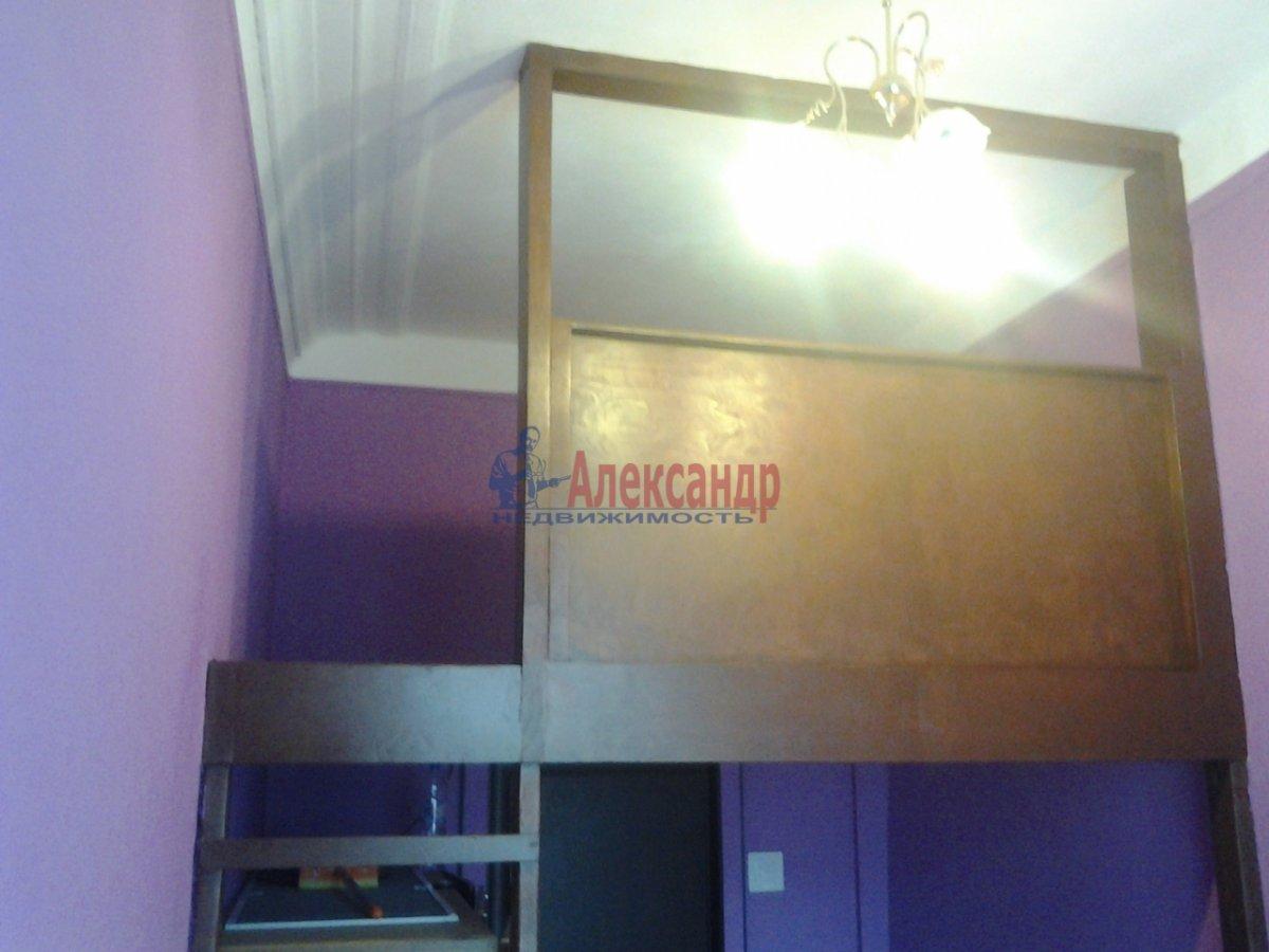 Комната в 4-комнатной квартире (50м2) в аренду по адресу Подольская ул., 5— фото 2 из 3