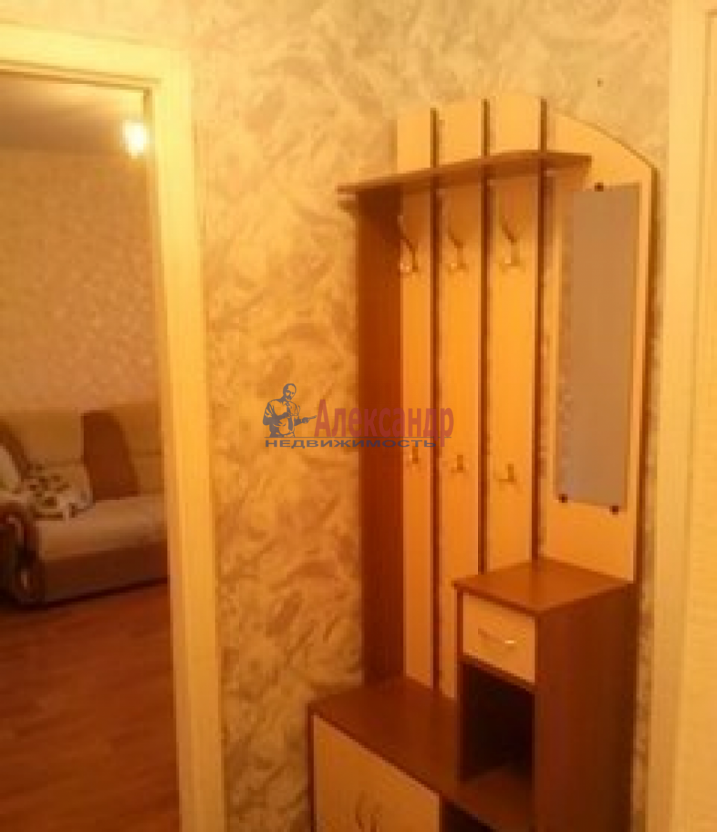 1-комнатная квартира (39м2) в аренду по адресу Ленинский пр., 75— фото 2 из 6