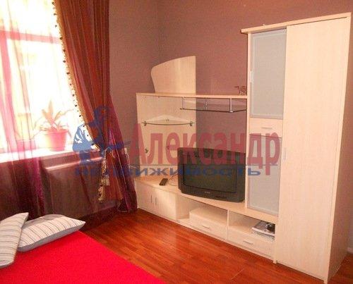Комната в 2-комнатной квартире (62м2) в аренду по адресу Рубинштейна ул., 11— фото 1 из 4