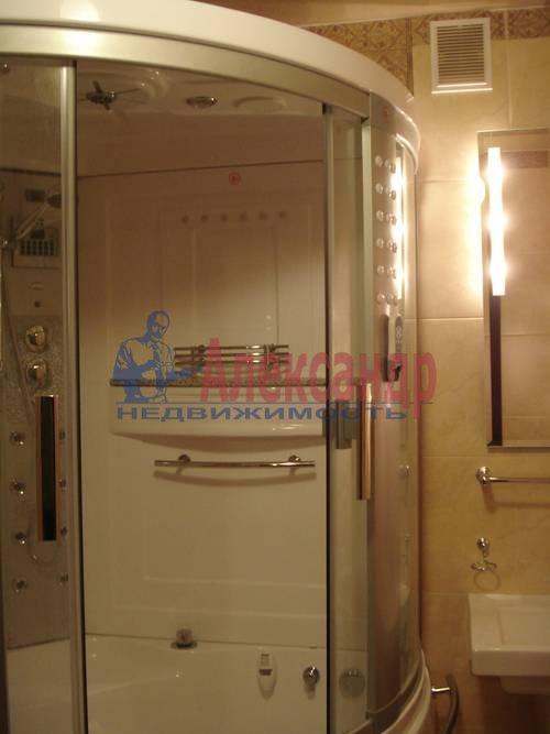 2-комнатная квартира (71м2) в аренду по адресу Есенина ул., 1— фото 9 из 10
