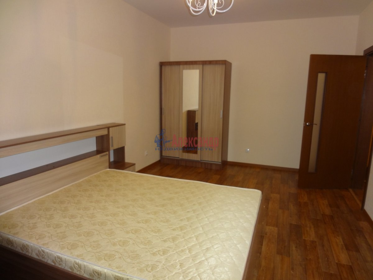 2-комнатная квартира (57м2) в аренду по адресу Южное шос., 53— фото 3 из 7
