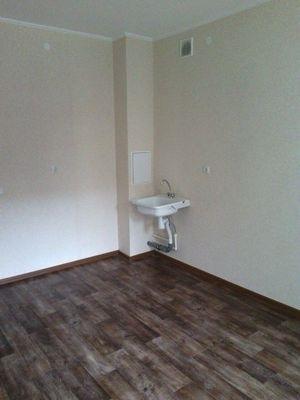 2-комнатная квартира (59м2) в аренду по адресу Белы Куна ул., 1— фото 1 из 5