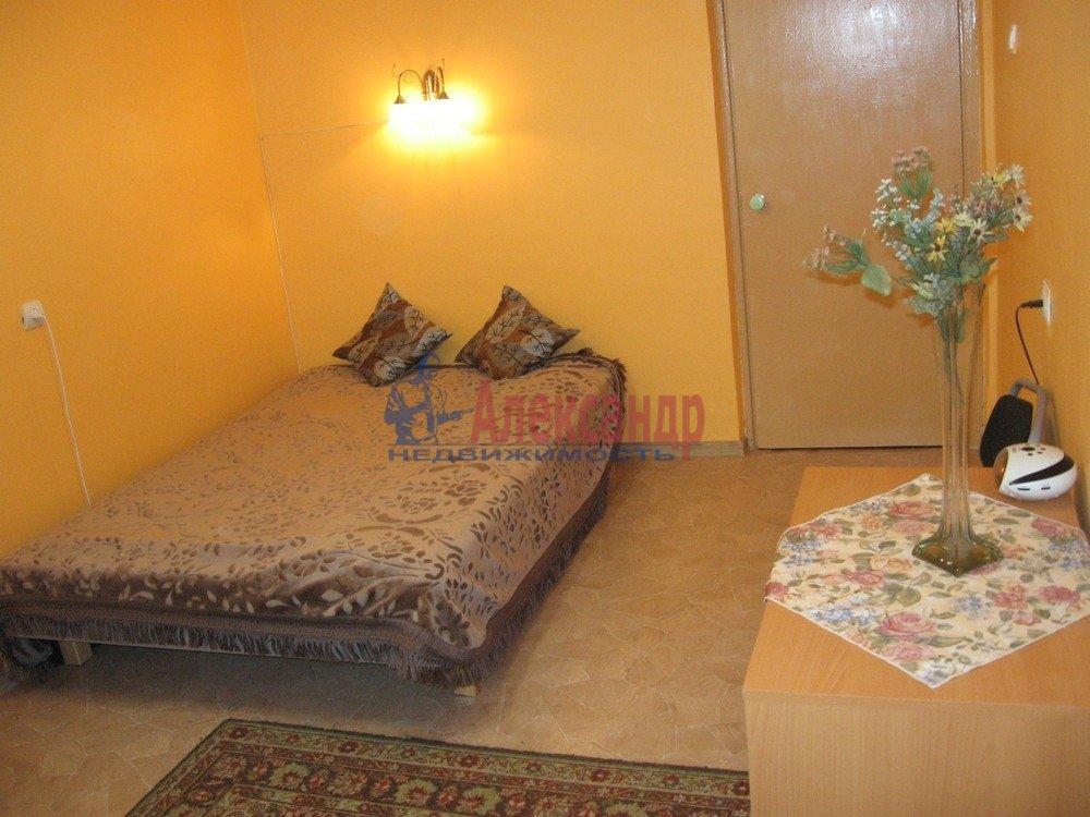 2-комнатная квартира (45м2) в аренду по адресу Черкасова ул., 6— фото 2 из 4