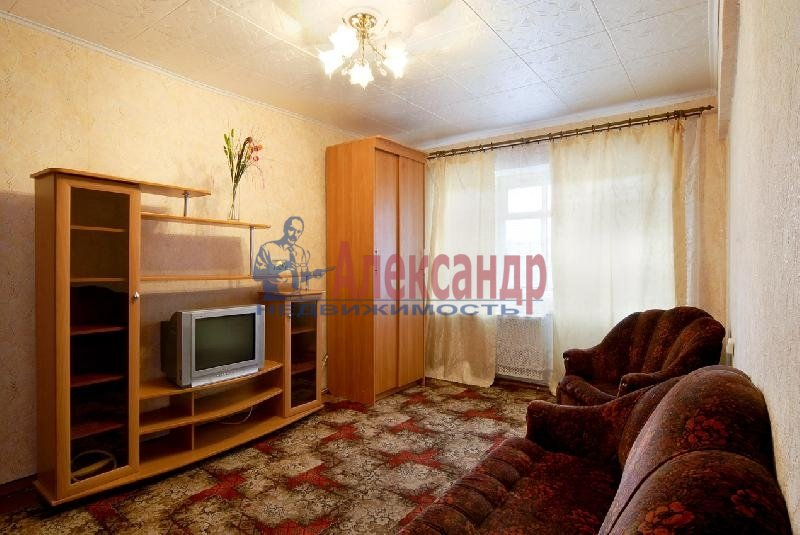 1-комнатная квартира (35м2) в аренду по адресу Белышева ул., 5— фото 1 из 3