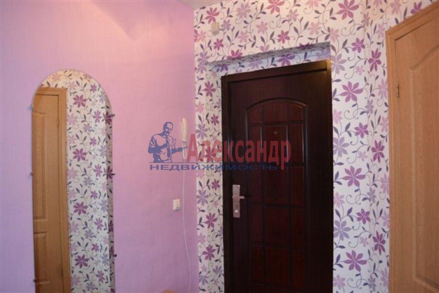 1-комнатная квартира (40м2) в аренду по адресу Хлопина ул., 7— фото 2 из 4