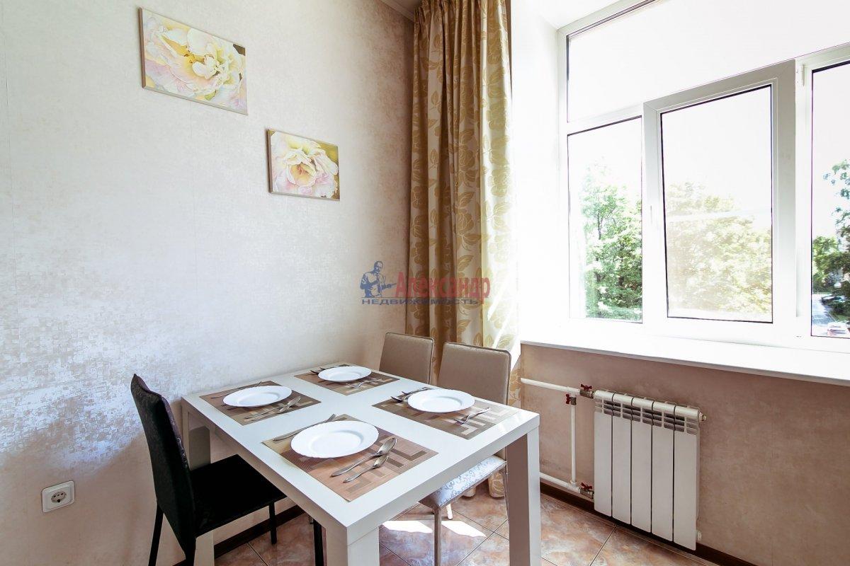 2-комнатная квартира (65м2) в аренду по адресу Алтайская ул., 11— фото 11 из 26